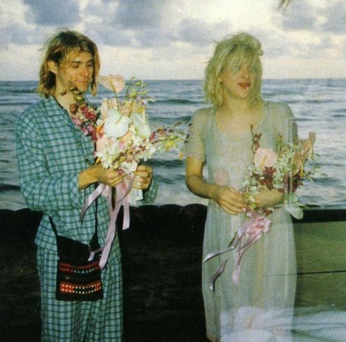 Crazy Celebrity Kurt Cobain With His Wife
